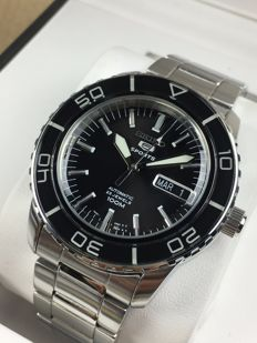 Seiko 5 Sports automatic, reference: SNZH55K1 – men's watch