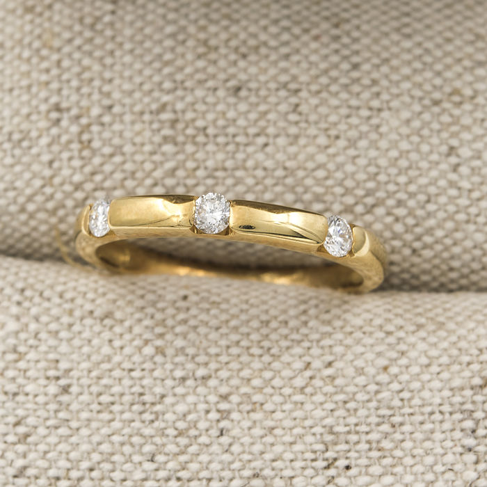 750/1000 (18 kt) yellow gold - cocktail ring - 0.20 ct diamonds - inner diameter of the cocktail ring: 16.75 mm - size 13 (ES)