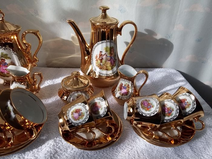 2 Bavaria crockery sets combined 27 pieces 22 k gold plated 1 Bavaria Wunsiedel porcelain and 1 Bavaria & 2 Bavaria crockery sets combined 27 pieces 22 k gold plated 1 ...