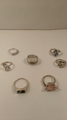 Lot of 7 rings in 925 silver, with quartz and onyx, no preserve price