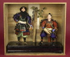 Set of two samurai dolls/puppets in original case - Japan - around 1930/1940 (early Showa period)