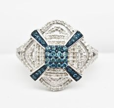 925 silver ring with diamonds of 0.7ct in total - ring size 7
