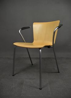 Vico Magistretti voor Fritz Hansen - VicoDuo Dinner chair