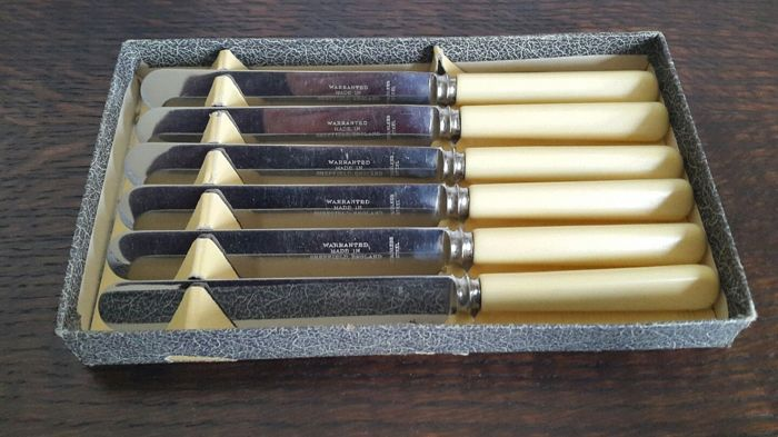 Set of 6 Vintage Sheffield knives with original box