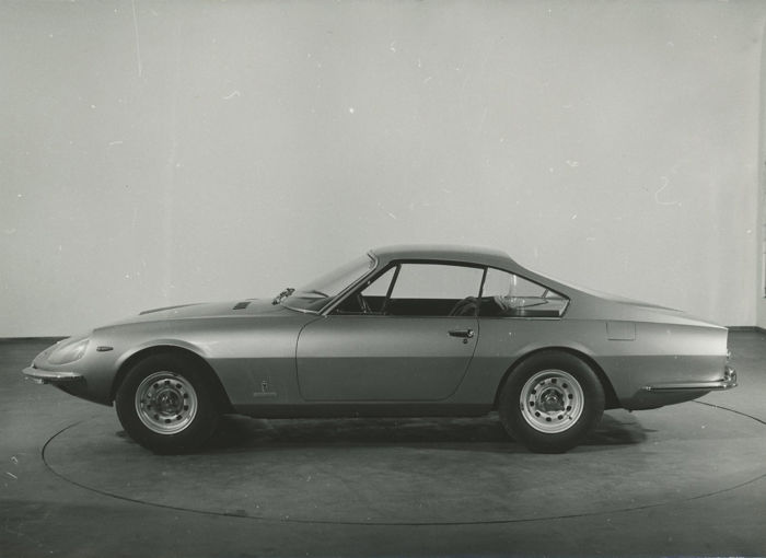 Ferrari 330 G.T.C Coupe Speciale 1967 original black and white Pininfarina press photograph