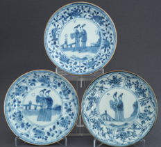 Series of 3 Capuchin saucers with decor of men – China – approx. 1735