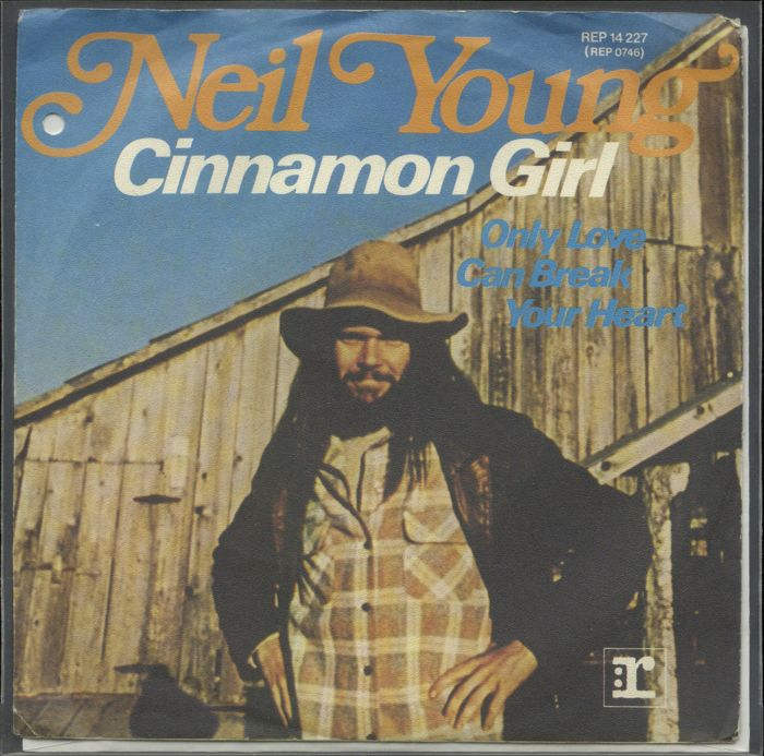 "Neil Young lot of five PS 7 / 45 singles including ""Heart of gold"", ""Cinnamon girl"", ""Someday"", ""Comes a time"" and ""Mansion on the hill"""