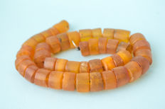 Old Baltic Amber necklace old honey butterscotch egg yolk colour, 66 gram