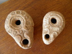 2 small Roman oil lamps - 55 mm and 50 mm (2)