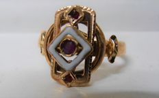Ring with enamel and rubies, Italy, Art Deco period, late 19th century