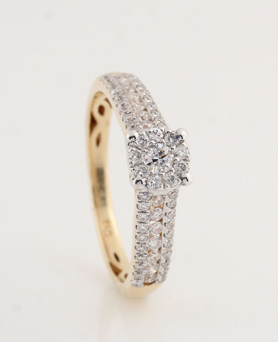 "14kt gold diamond ring total approx 0.56 ct / 43 ronde brillianten / 2.50gr /  size  54 / G-H / VVS2-VS2 / ""NEW"""