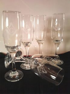 Set of 6 Masonic glasses with set square and compass