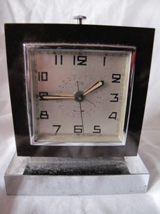 Cotna - Art Deco electric alarm clock - bakelite and chrome