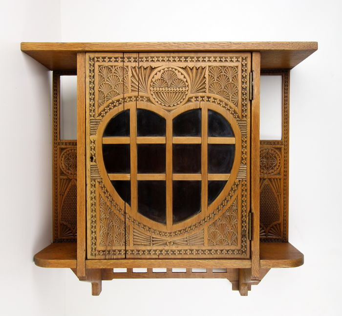 Hanging cabinet with notch of oak - 1st half 20th century, Friesland