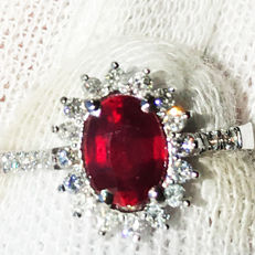 1.90ct Ruby and Diamond Ring made of 18 kt white gold - NO RESERVE -