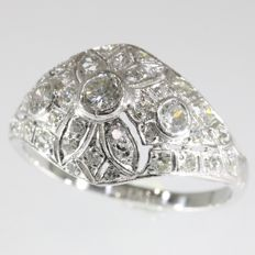 Stunning platinum Art Deco ring made in the Fifties with 39 diamonds total 1.60ct.
