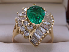 Certified gold cocktail ring with high-quality emerald & diamonds. 2.58 ct **No reserve price**