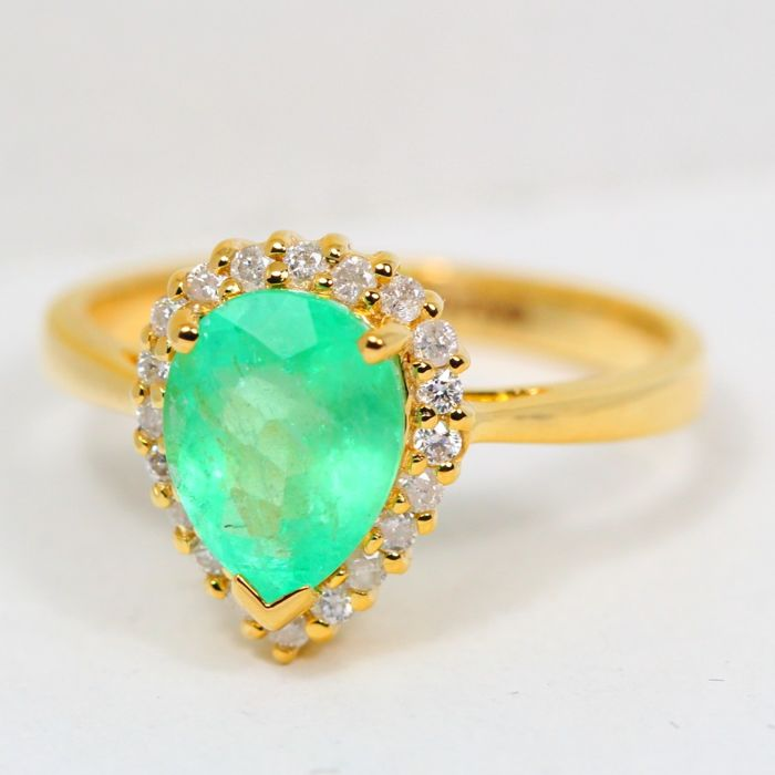 IGI Certified 1.33Ct Neon Green Colombian Emerald 14K Yellow Gold 3.00gram Diamond Ring Europe Size 52 (No Reserve)