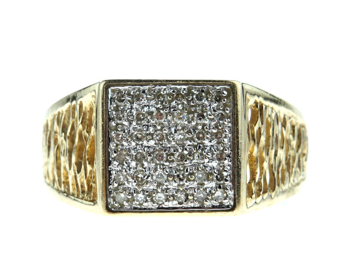 14 karat gold men's ring set with 0.20 ct diamonds - size 19.25