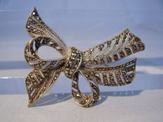 Vintage brooch in the form of a bow with marcasites, made circa 1935-40
