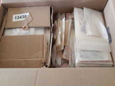 World - Batch of stamps in bag and box