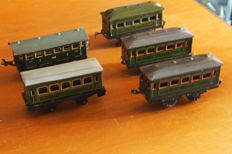 Bing, Germany - Scale 0 - Five tin passenger cars, 1920s/1930s