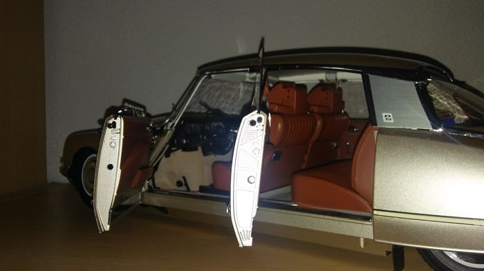 Altaya scale 1 8 citroen ds 21 pallas catawiki for Altaya ds 21