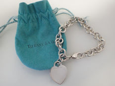 "Tiffany & Co. - 'Return to Tiffany' Heart Tag Charm 925 Silver Bracelet - Women's - Length 7.5"" / 19.5 cm"
