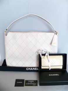 "Lot of 2: Chanel - ""Wild Stitch"" Grand-Tote bag and Chanel bi-fold clutch (Full set!) - **No Reserve Price**"