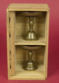 Lot with two pieces of Hina miniature tables with arabesque gold maki-e lacquer – Japan –