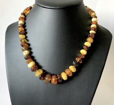 Vintage necklace of natural Baltic amber beads (not pressed) weight 36.5 grams