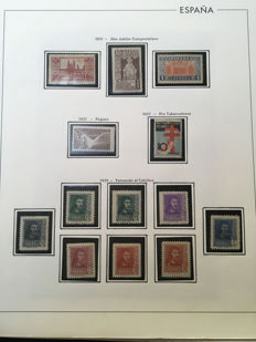 Spain 1937-1949 - Stamp collection in album