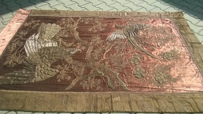 Very beautiful ancient Chinese tapestry 1,86 m x 1,22 m