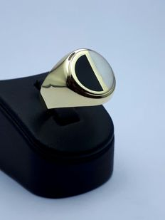 14 Ct Gold Man's Ring With Onyx , *** No Reserve ***