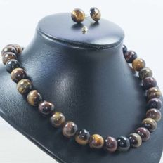 Set of tiger's eye necklace and earrings with 18 kt (750/1000) gold