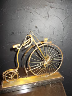 Daniel D'haeseleer - Signed copper bicycle, after the model 'High Bi -1870'