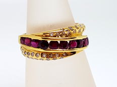 Cocktail ring in 18 kt yellow gold with diamonds and ruby - Size 12 (Spain) / 18 mm