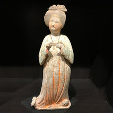 Chinese terracotta fat Lady from the Tang Dynasty - 40 cm