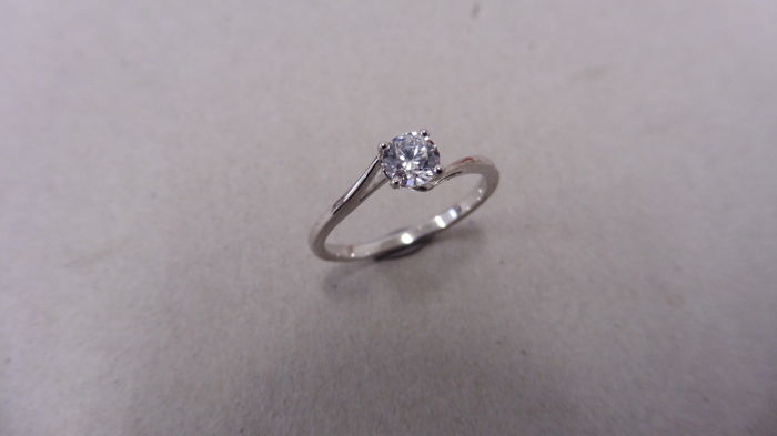 Platinum Twist Diamond Solitaire Ring – 0.35ct - size 52