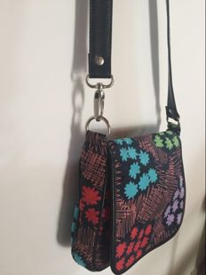 Marc Jacobs shoulder bag ***No minimum price***