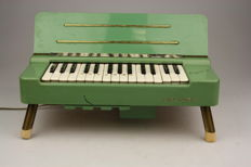 Hohner Organetta 1950s wind organ, 2.5 octaves, 29 keys around 1950, Germany