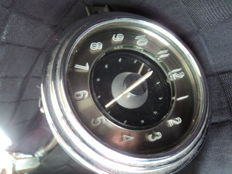 1 Russian automotive clock, electric, rarity, diameter: approx. 12 cm