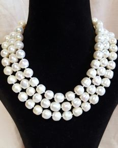Long necklace with large white freshwater cultured pearls - Length: 126 cm