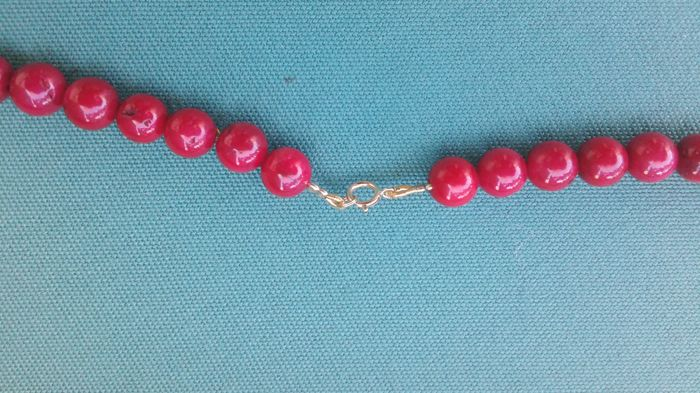 Red coral necklace with 18 kt gold clasp - 46 cm