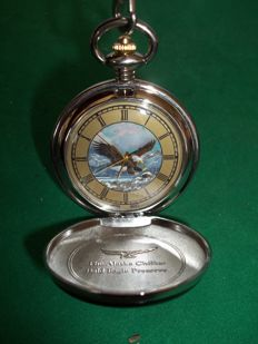 Franklin Mint - The Alaska Chilkat Bald Eagle Preserve Pocket Watch with Chain - very good and working condition.