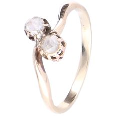 14 kt Yellow gold wavy ring set with 2 rose cut diamonds in a rose gold setting - Ring size: 17 mm