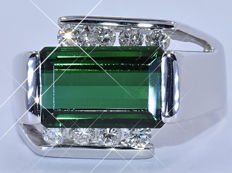 5.07 Ct Green Tourmaline with Diamonds ring - NO reserve price!