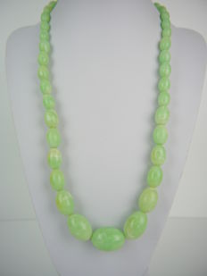 Green Art Deco olives Galalith/bakelite necklace, clasp made of 835 silver