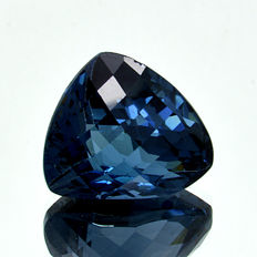 London Blue Topaz - 11.94 ct