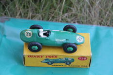 Dinky Toys - Scale 1/43 - Vanwall Racing Car No.239